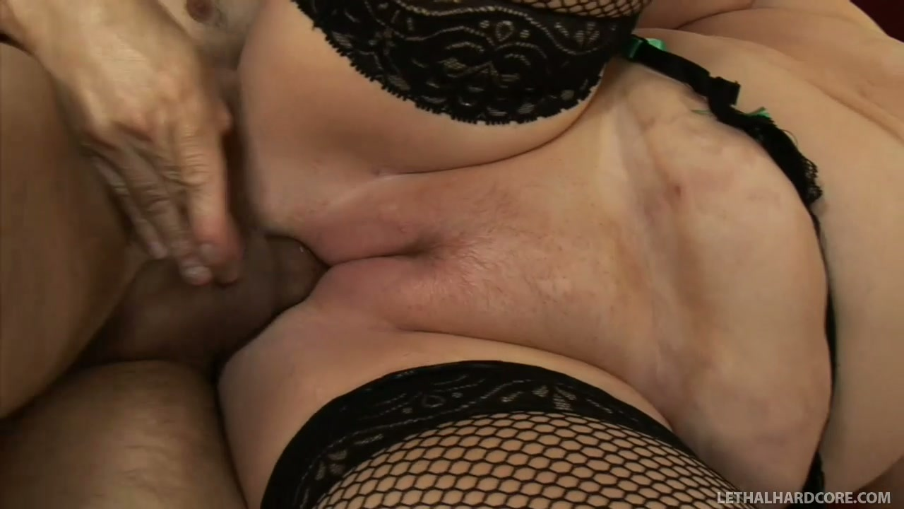 Sapphire with her huge deflated breasts having sex fun with Harry