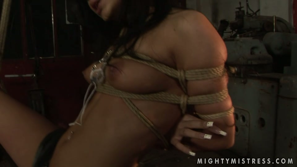 Hussy jade is ready for hardcore panishment in provocative BDSM porn vid