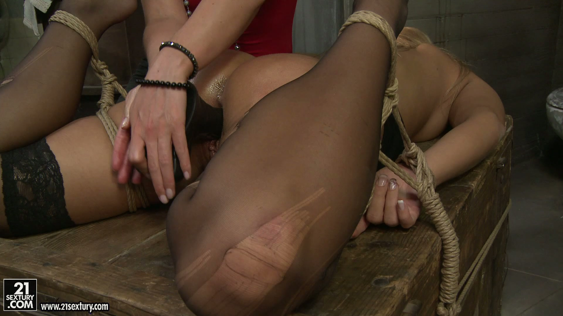 Dildo injection with lusty hoes Kathia Nobili and Linda Ray